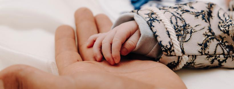 baby hand in adult hand Melbourne doula melbourne birth